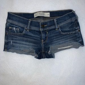 Abercrombie & Fitch Distressed Shorts size 00